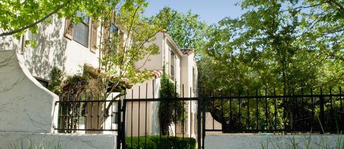 Fiore Gardens Apartments Picture 5