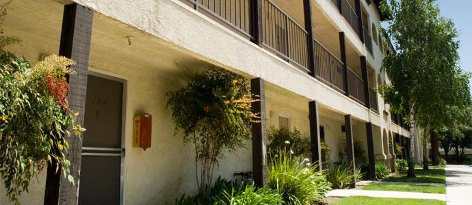Glenn Oaks Apartments Picture 1