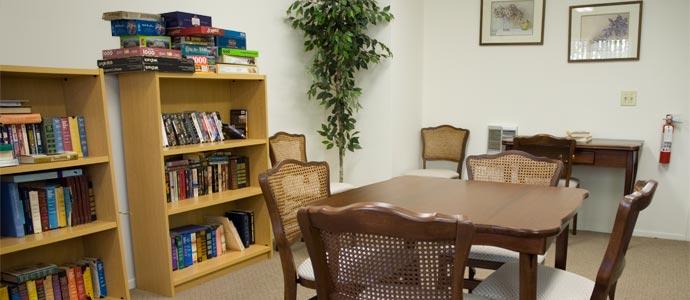 Glenn Oaks Apartments Picture 5
