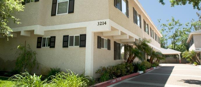 Royal Oaks Apartments Picture 1