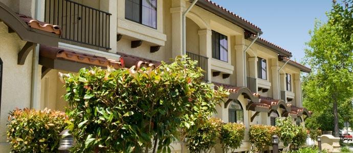 Sunset Villas Apartments Picture 2